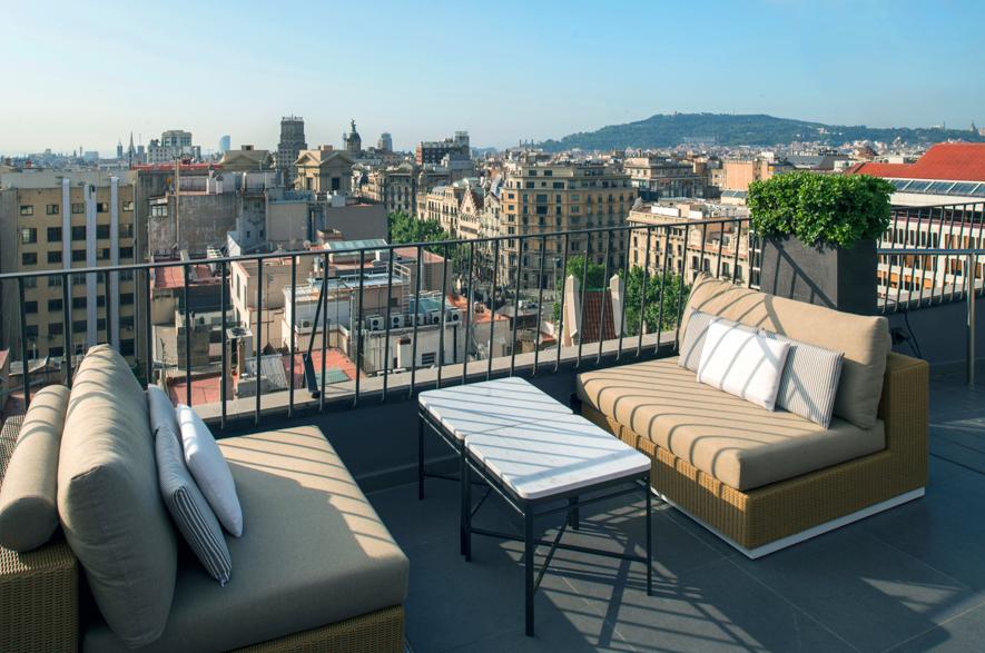 Loving La Dolce Vitae En Hotel Majestic Spa Barcelona