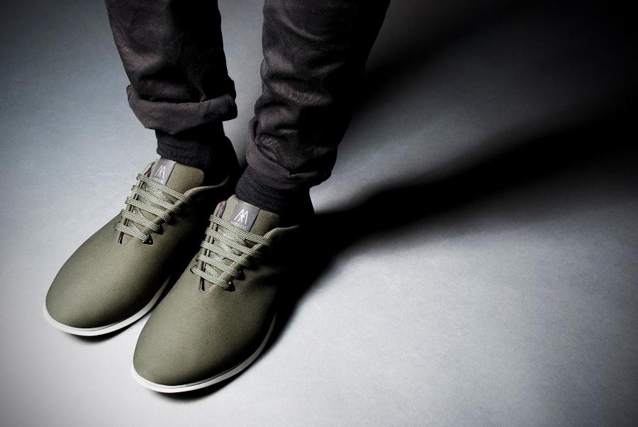 12952528 imagen 1 de Muro, el híbrido entre zapatilla y zapato urbano.