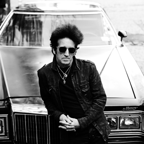 House Of A Thousand Guitars. Willie Nile.