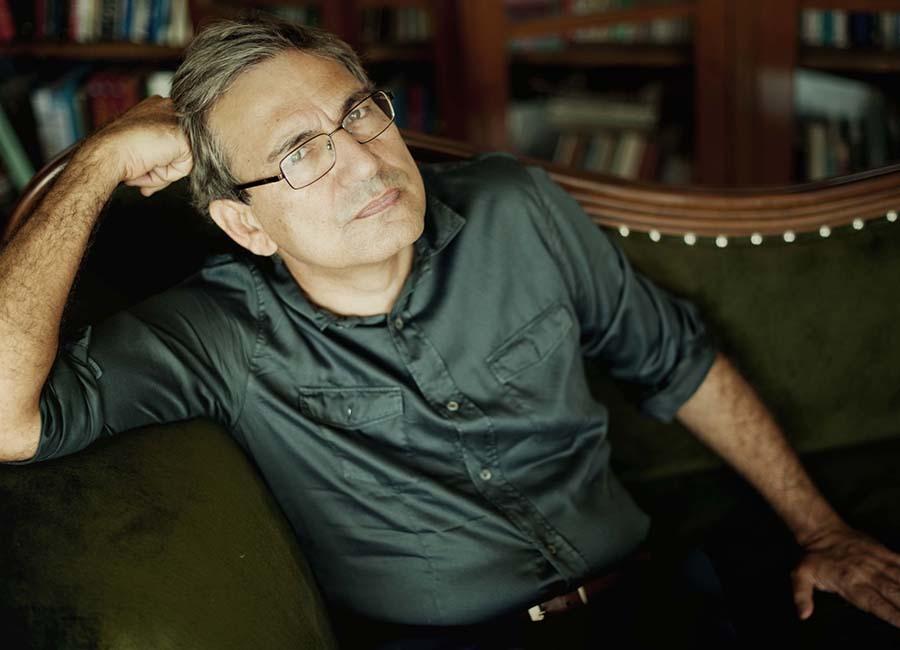 Orhan Pamuk Escritor Y Nobel De Literatura Loffit