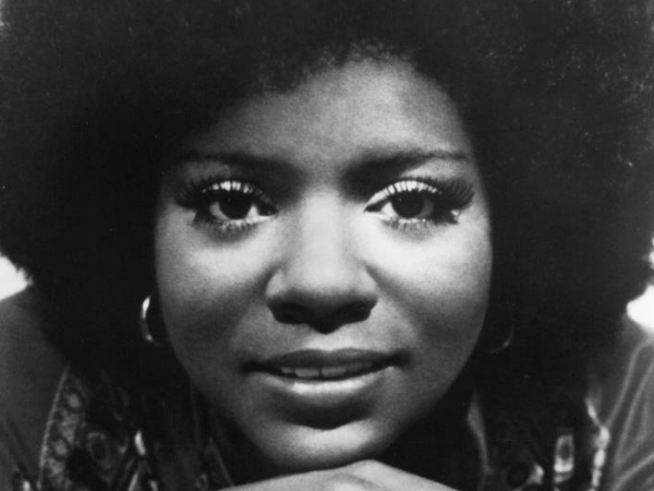 Gloria Gaynor, I will survive.