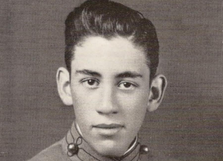J D Salinger Escritor De Culto Loffit Biografía
