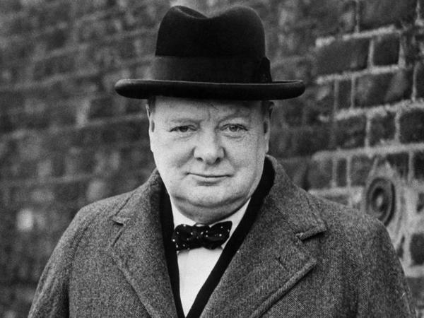 Winston Churchill El Gran Héroe Del Siglo Xx Loffit