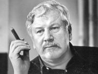 Un Día Como Hoy Nació El Actor Director Músico Peter