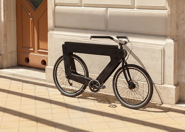 REVO Bike, una bicicleta urbana que nos CUADRA estupendamente.