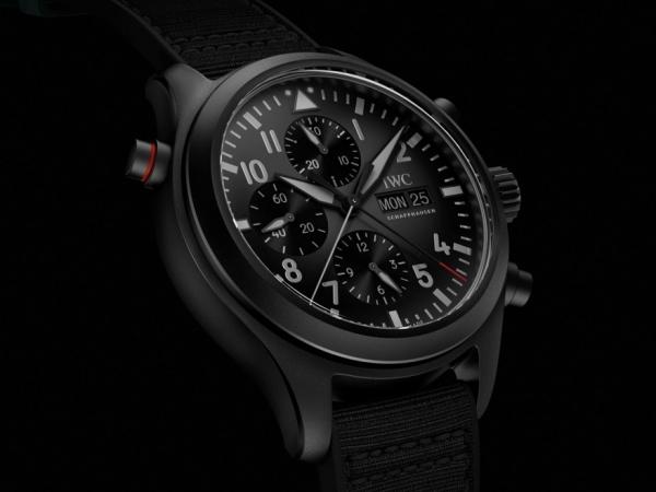 IWC Reloj de Aviador Doble Cronógrafo TOP GUN Ceratanium®, dureza y ligereza con estilo.