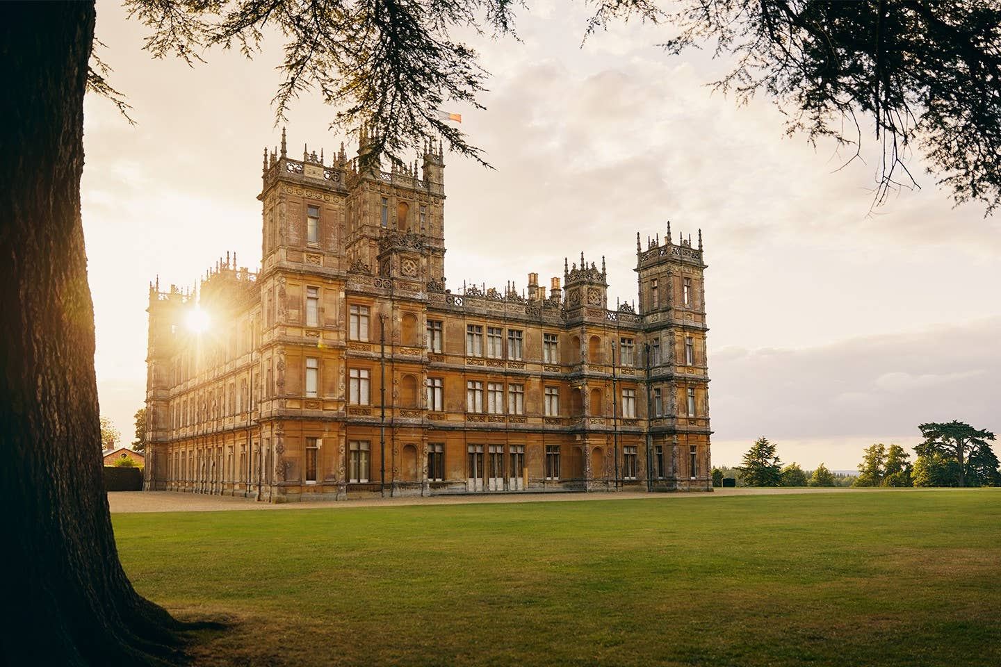 imagen 5 de Dormir en Highclere Castle, el castillo de Downton Abbey y el de Lord Carnarvon, mecenas de Howard Carter.