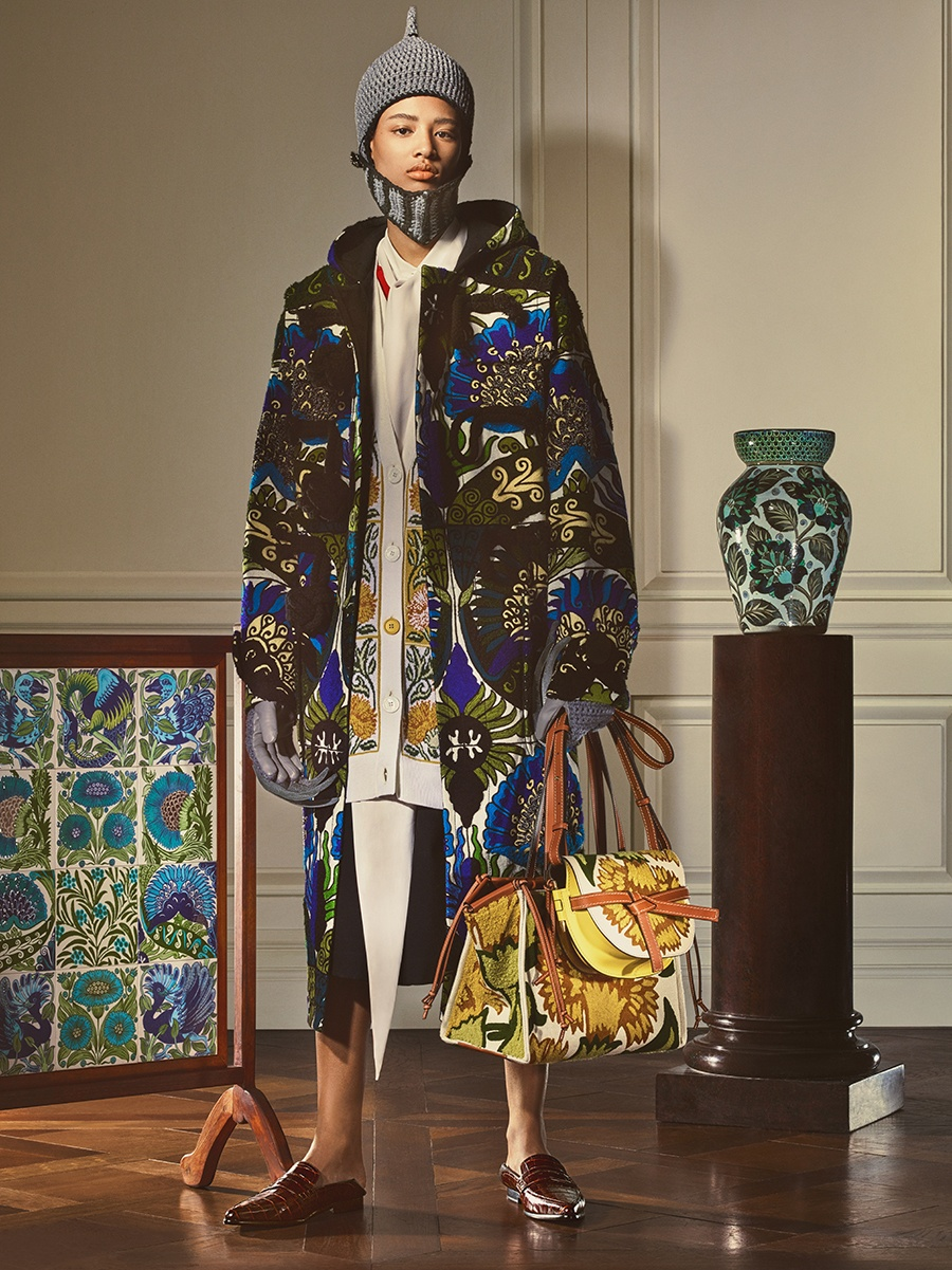 imagen 3 de Loewe recrea el universo de William De Morgan.