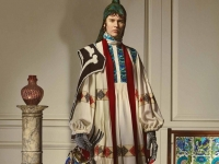 Loewe recrea el universo de William De Morgan.