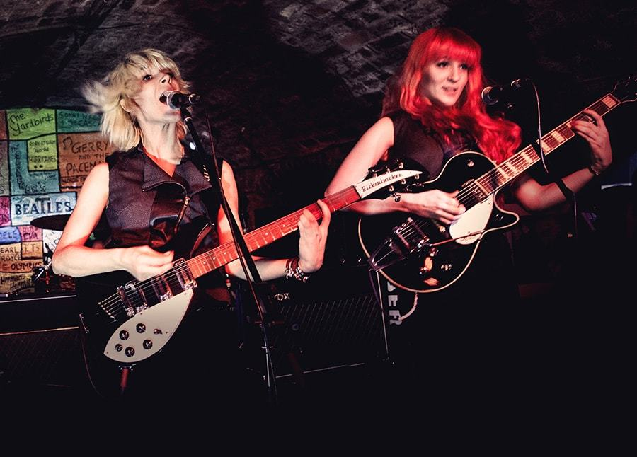 imagen 4 de The MonaLisa Twins recrean con sus voces un villancico tradicional.