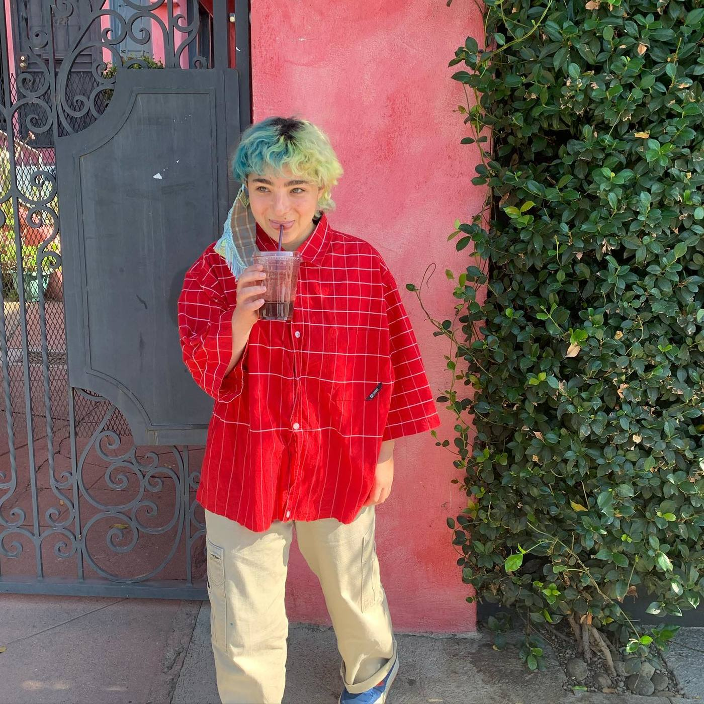 Claud comparte single y vídeo de una canción incluida en su álbum de debut.
