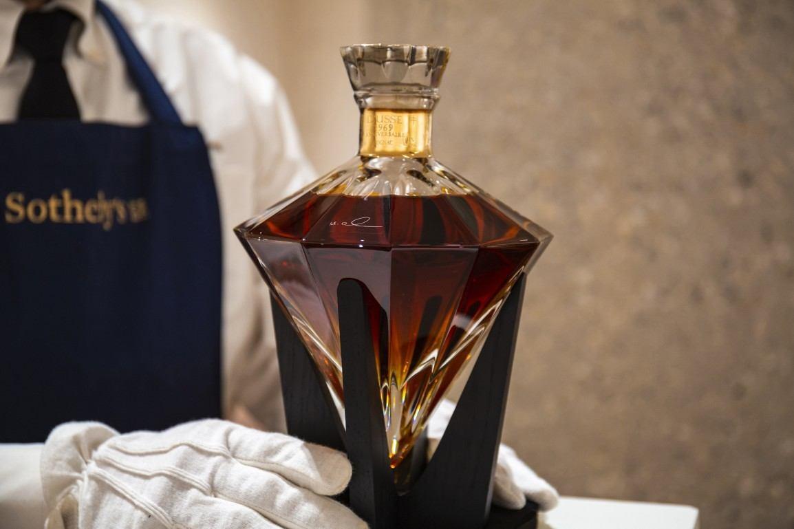 D'USSÉ Grande Champagne Cognac Anniversaire 1969. Una edición limitada, exclusiva y lujosa a subasta.